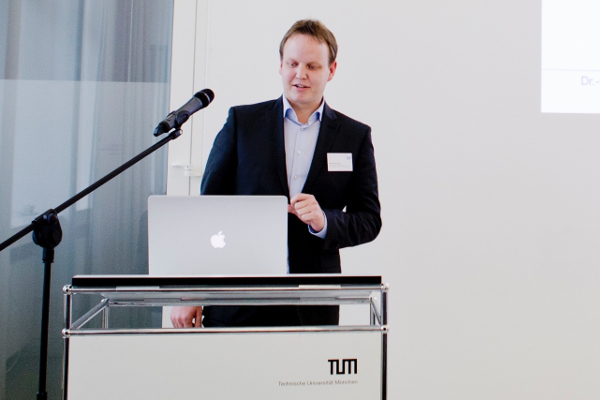 Me giving a talk at the LOC Center Day 2016 at Technical University Munich, November 11, 2016
